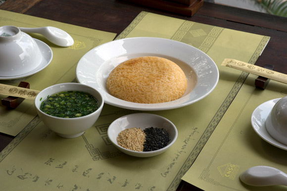 broken-rice-provides-dinner-and-a-show-1