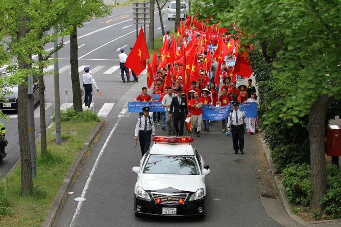 vietnamese-protest-in-japan-against-chinas-illegal-east-sea-moves