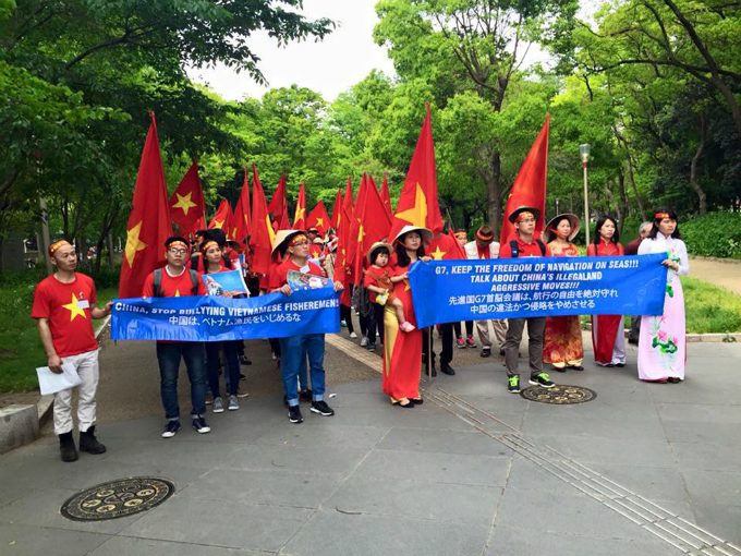 vietnamese-protest-in-japan-against-chinas-illegal-east-sea-moves-1