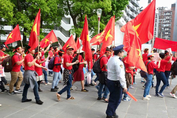 vietnamese-protest-in-japan-against-chinas-illegal-east-sea-moves-2