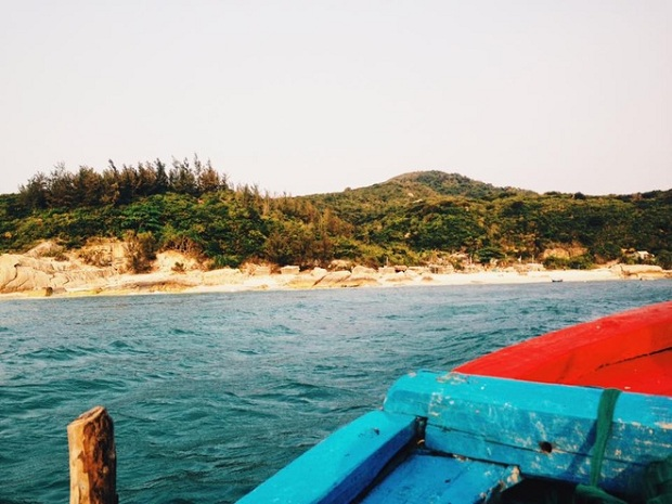 The ideal time for a trip to Roof island is from March to August, when there is no extreme weather phenomenon.