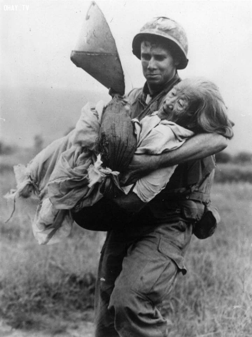 The American-Vietnam War: compassion between bloodshed and bombs