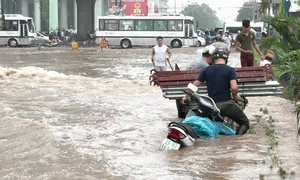 Why flooding returns to haunt Hanoi after heavy downpours