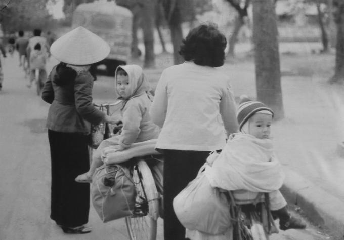 vietnamese-children-in-war-time-photos-1