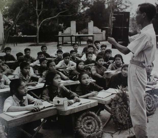 fighting-bombs-with-straw-hats-how-a-generation-of-vietnamese-children-survived-2