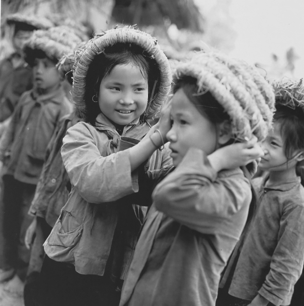 fighting-bombs-with-straw-hats-how-a-generation-of-vietnamese-children-survived-4