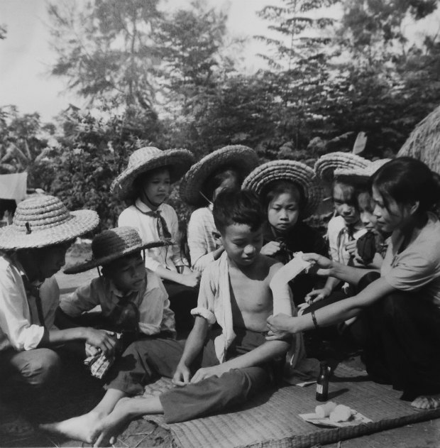 fighting-bombs-with-straw-hats-how-a-generation-of-vietnamese-children-survived-6