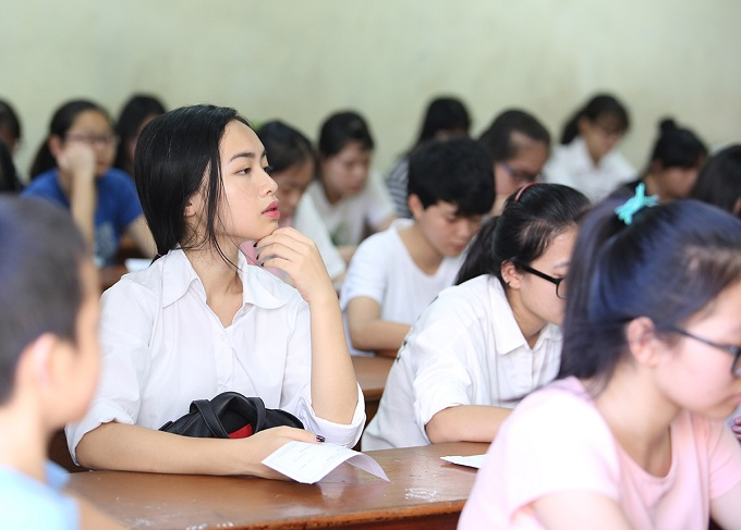 According to the principal, there is only 454 seats left for the 5000 students, because 26 qualified for the school without having to take the exam.