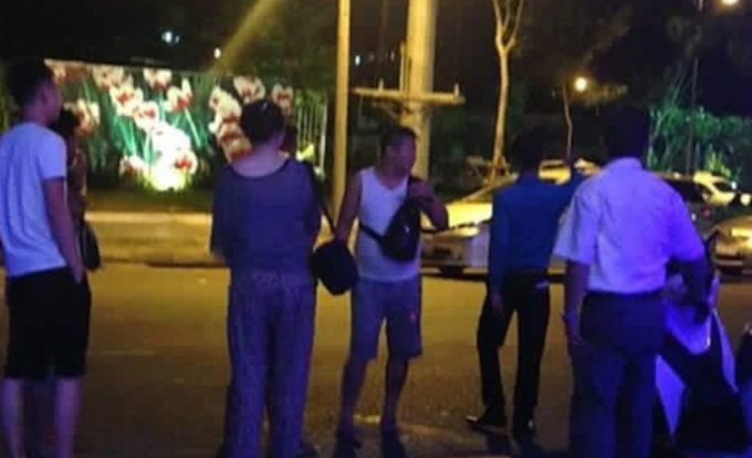 Travel agency fined after Chinese tourist burns Vietnamese money