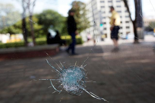 U.S. military veteran believed to be lone gunman in Dallas police ambush