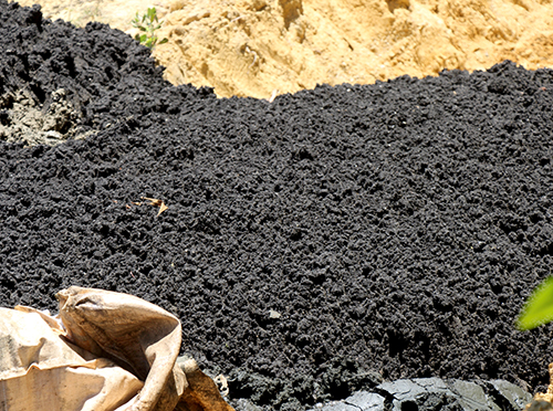 Over 100 tons of Formosa steel plant waste dumped on Ha Tinh farm