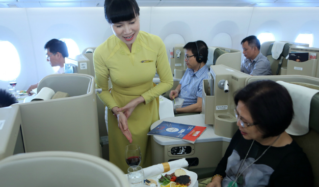 Vietnam Airlines touches the sky with 4-star rating