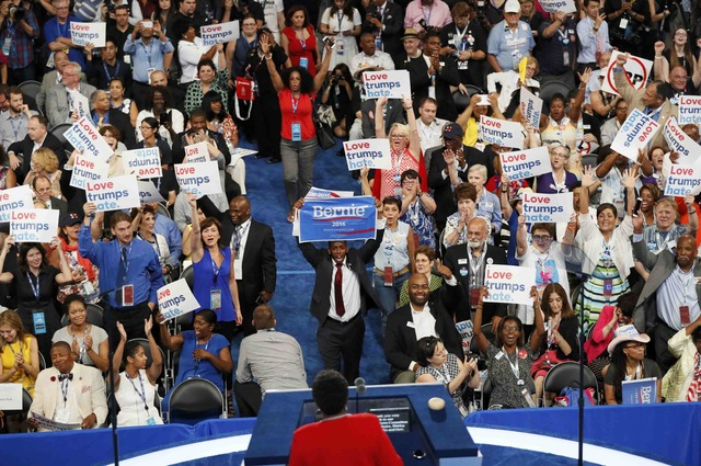chaos-in-us-democratic-convention-as-sanders-backers-revolt-1