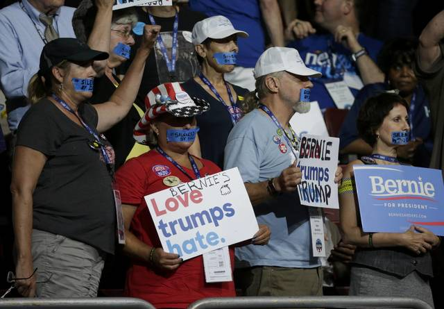 chaos-in-us-democratic-convention-as-sanders-backers-revolt