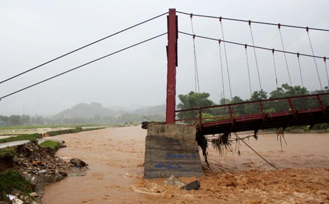 home-damaged-street-submerged-as-flash-floods-hit-mountainous-province-5