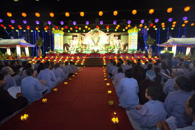Vietnam's parents' festival: time for kids to repay their debts