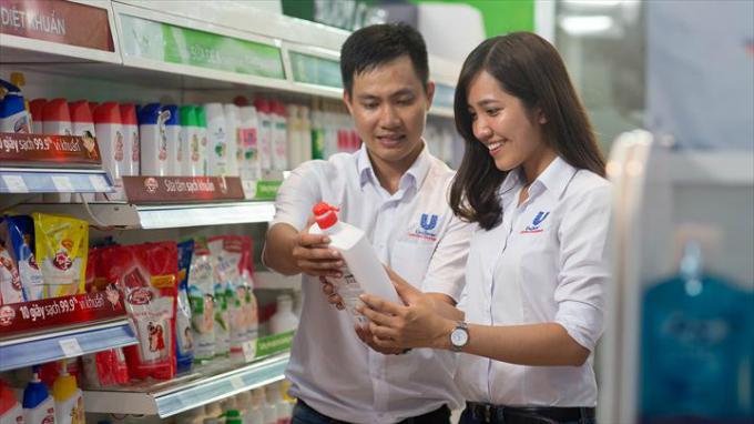 Vietnamese job seekers opt for foreign firms