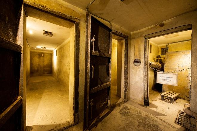 inside-wartime-bomb-shelter-under-famous-hanoi-hotel-2