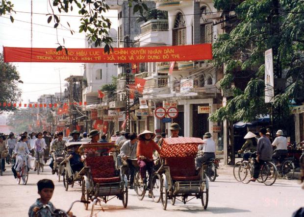 Rewind through Hanoi's Old Quarter with Japanese Ambassador