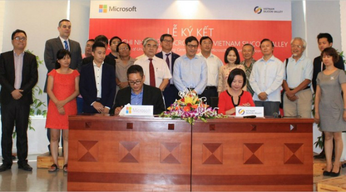 microsoft-partners-with-vietnam-silicon-valley-to-support-start-ups