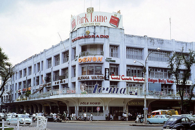 a-look-back-at-saigons-landmark-tax-center-before-it-turns-to-dust-ed-3