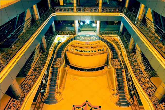 a-look-back-at-saigons-landmark-tax-center-before-it-turns-to-dust-ed-7