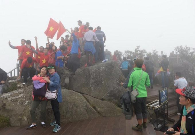 Tourism boom threatens Vietnam's 'Tonkinese Alps'