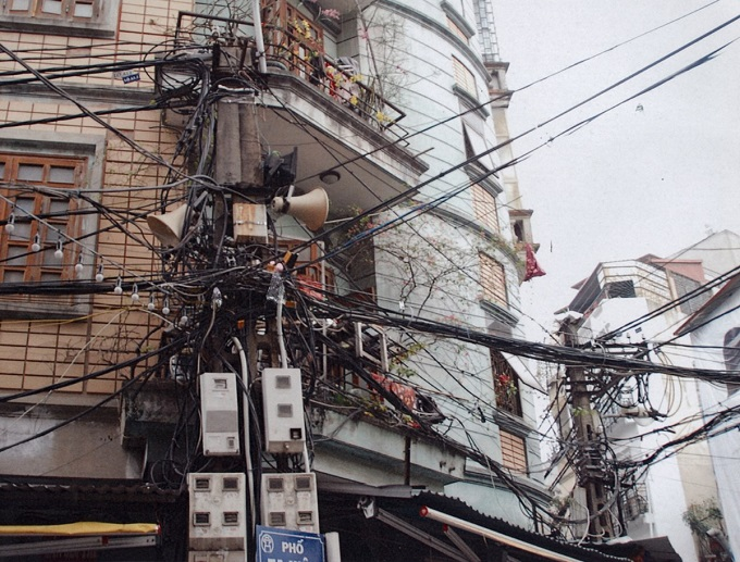 hot-mess-hanois-electrical-wiring-shocks-engineering-world