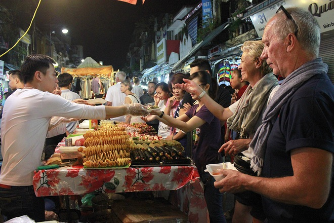 Top 10 night markets in Vietnam