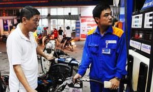 Gasoline prices hit year-high in Vietnam