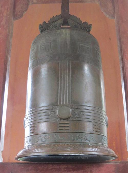 vandals-deface-vietnams-national-treasure-at-centuries-old-temple-ed
