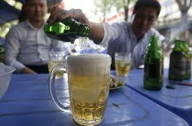 Beer-thirsty Vietnamese force supermarkets to ration sales before Lunar New Year