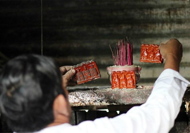 Vietnamese Kitchen Gods: A love affair retold