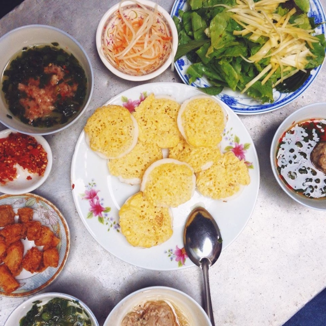 eating-your-way-through-central-vietnam-resort-town-for-a-mouthwatering-4