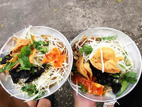 4-matt-five-saigon-restaurants-prove-that-size-doesnt-matter-2