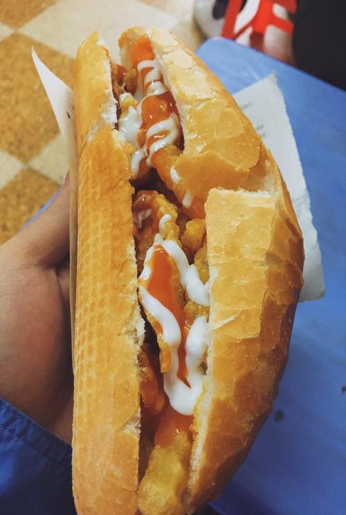 ham-long-must-visit-food-street-in-hanoi-1