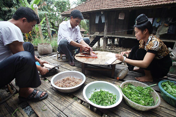 raw-fish-salad-vip-dish-by-vietnams-thai-people-2