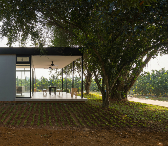 glass-house-offers-perfect-mountain-view-a-stones-throw-from-hanoi-2