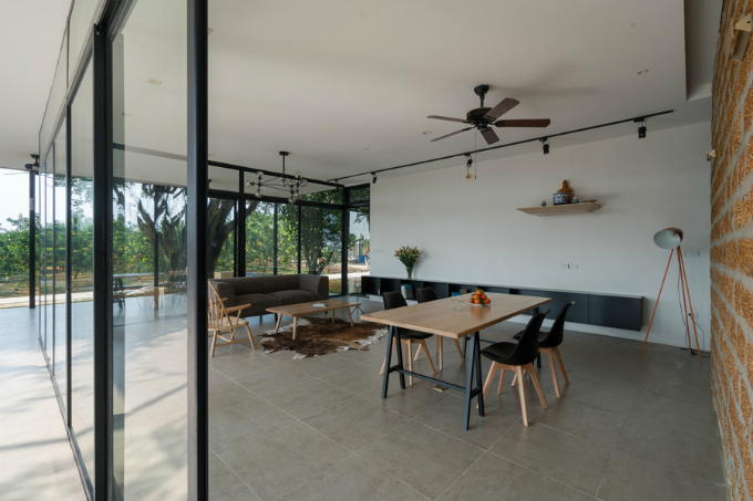 glass-house-offers-perfect-mountain-view-a-stones-throw-from-hanoi-3