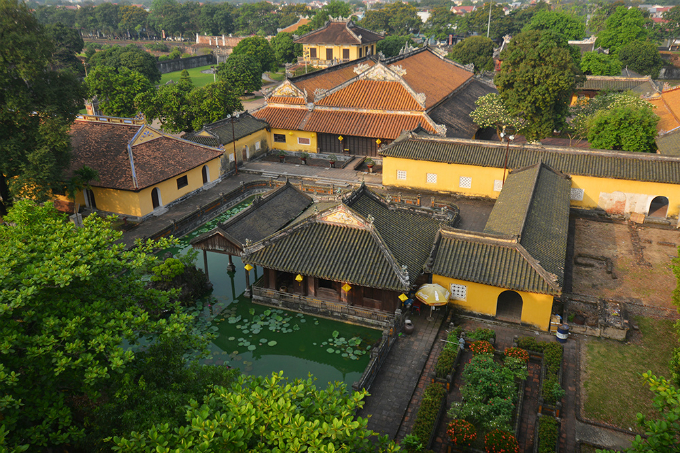 centuries-old-walls-show-off-vietnams-royal-power-9