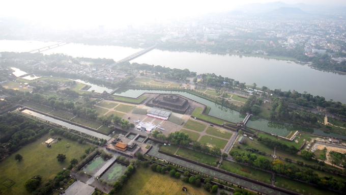 centuries-old-walls-show-off-vietnams-royal-power-2