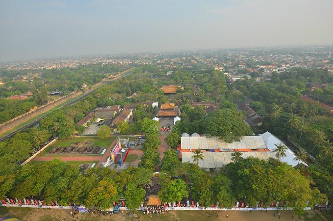 centuries-old-walls-show-off-vietnams-royal-power-5