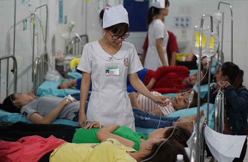nearly-300-vietnamese-workers-hospitalized-with-food-poisoning-at-s-korean-factory