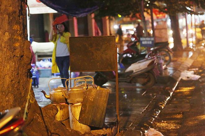 hanoi-wants-to-scrap-sidewalk-fires-to-improve-citys-image-2