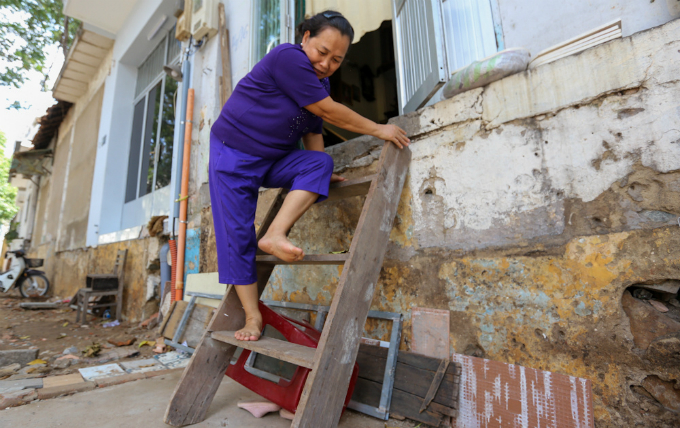uphill-challenge-for-saigon-residents-with-doorsteps-ripped-out-1