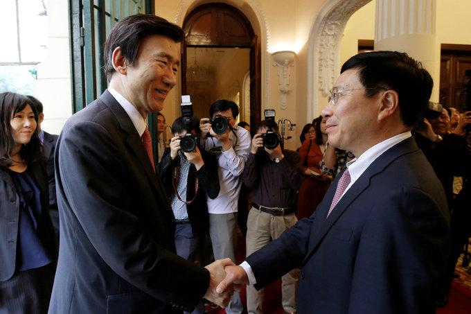 Vietnam seeks South Korean support in troubled waters