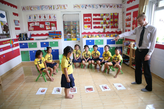 Weekly roundup: Teaching English in Vietnam, food safety, walking zone and more