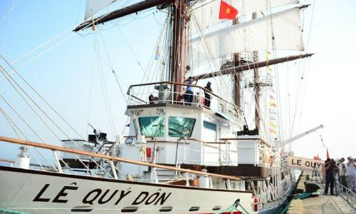 Vietnamese training ship pays goodwill visit to the Phillippines amid tensions