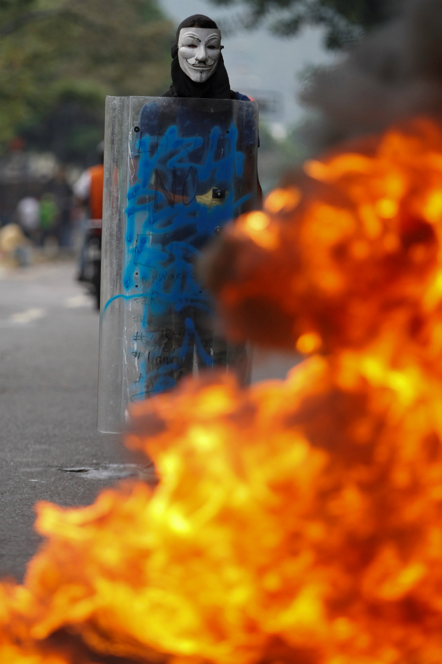 venezuelan-protests-against-government-leave-three-dead-3