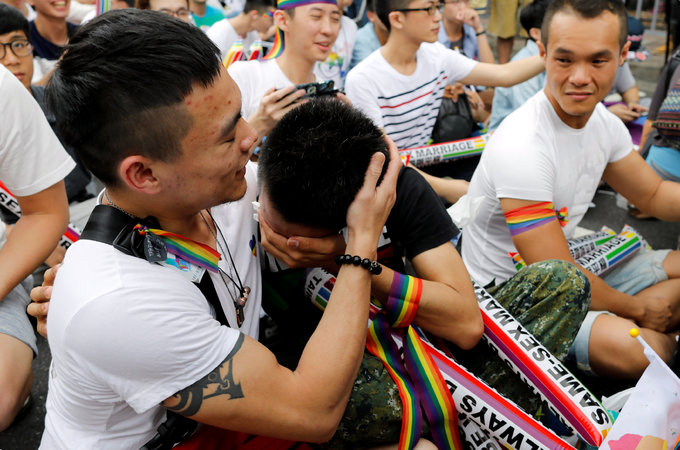 Taiwan top court rules in favor of gay marriage